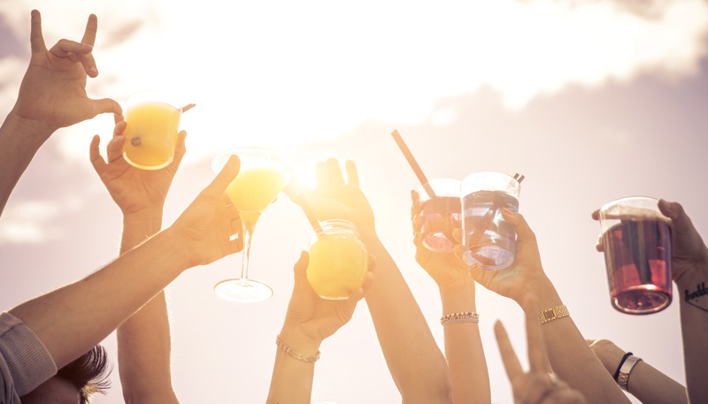 How To Throw An Amazing Summer Cocktail Party