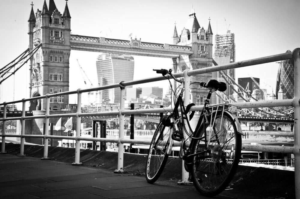 What is London doing to increase cycling, reduce traffic and Improve Air Quality?