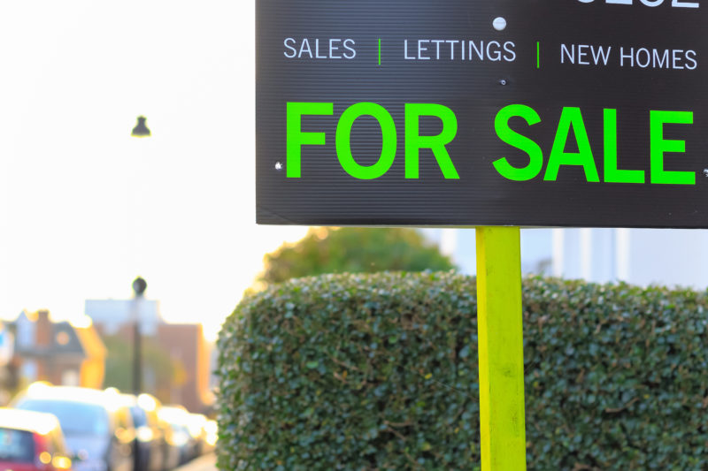 5 Things To Do Before Putting Your Home Up for Sale