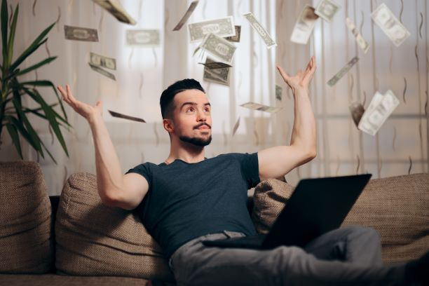 4 Easy and Quick Ways to Make Money from Home